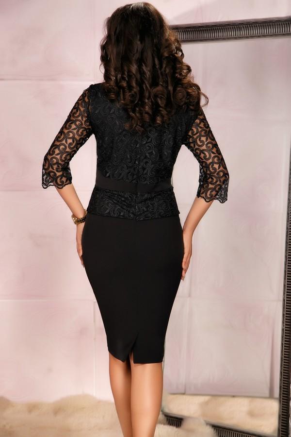 Rochie neagra in stil compleu