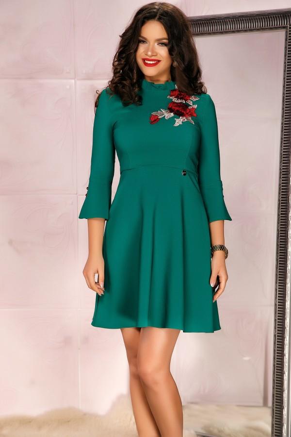 Rochie verde cu broderie florala