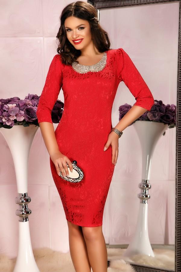 Rochie rosie de seara cu aceesoriu