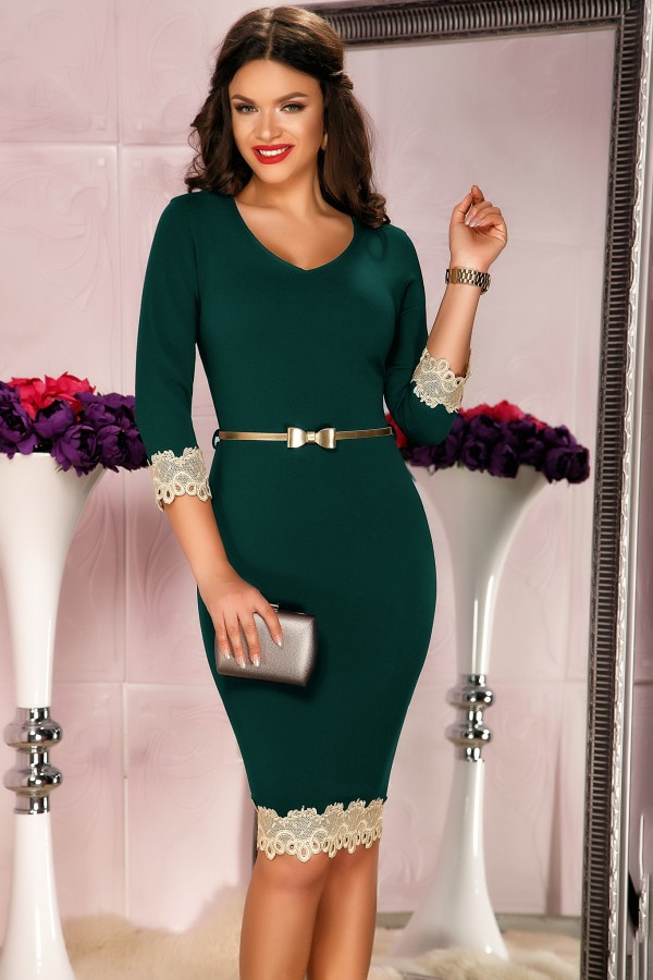 Rochie verde mulata pe corp cu design auriu