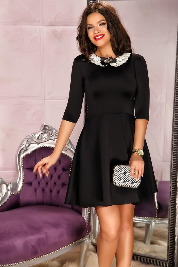 Rochie neagra in clos office cu guler elegant