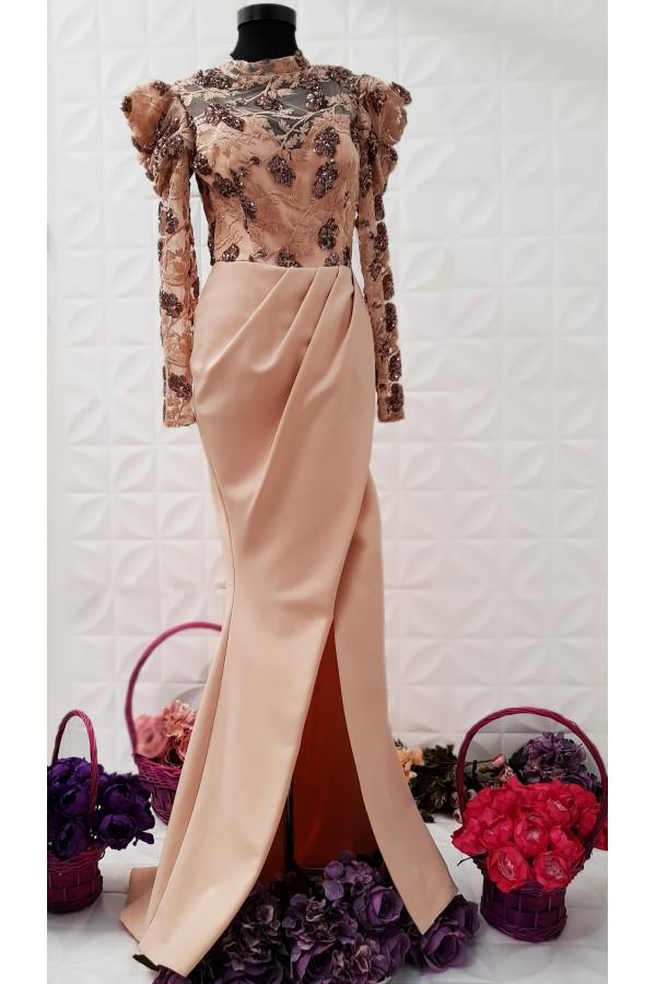 Rochie roz lunga accesorizata