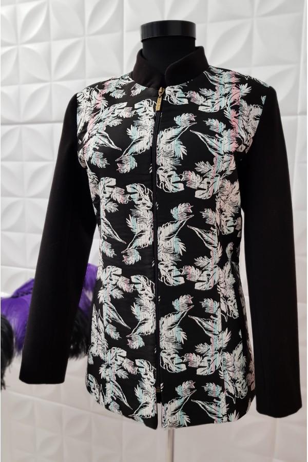 Palton negru cu imprimeuri florale