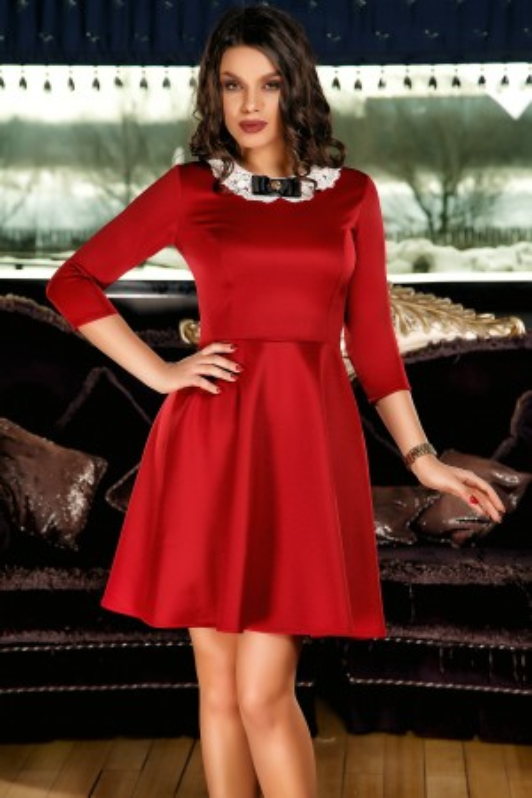 Rochie rosie in clos office cu guler elegant