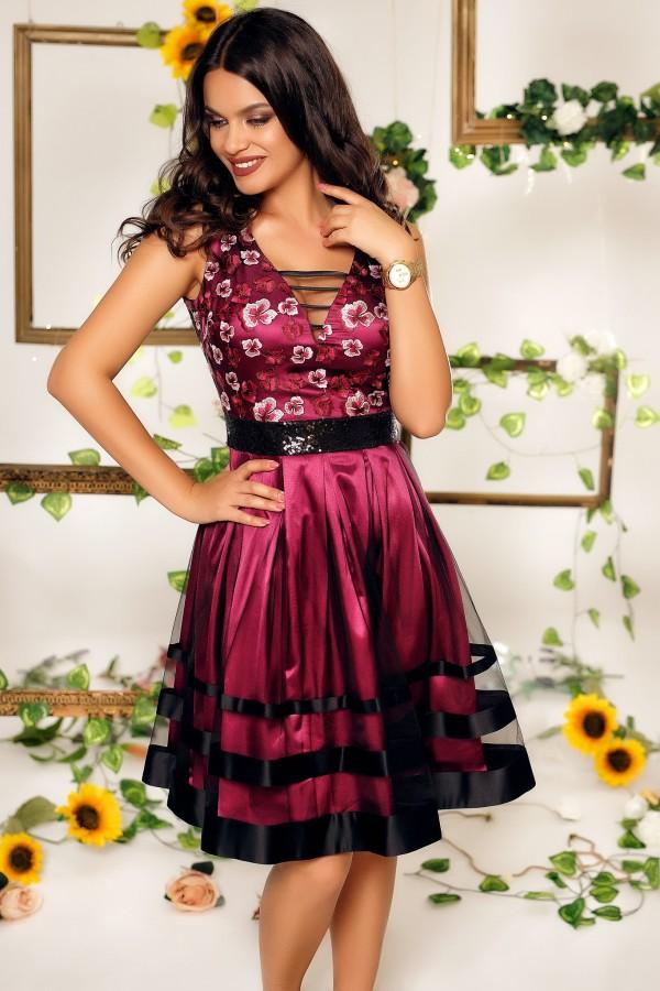 Rochie Sabrina roz cu tul