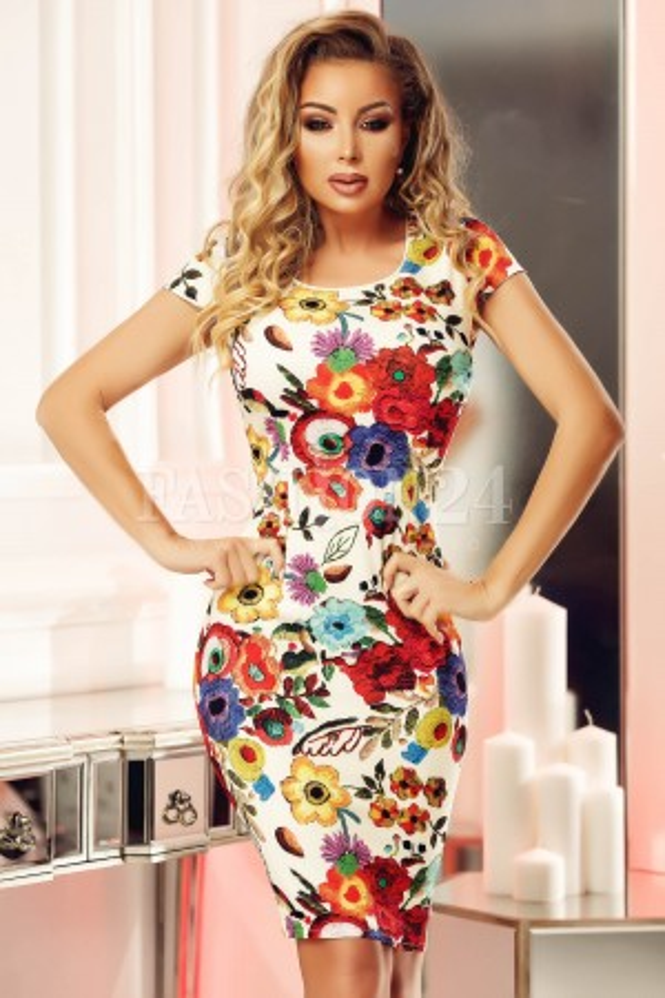 Rochie cu imprimeuri florale elegante