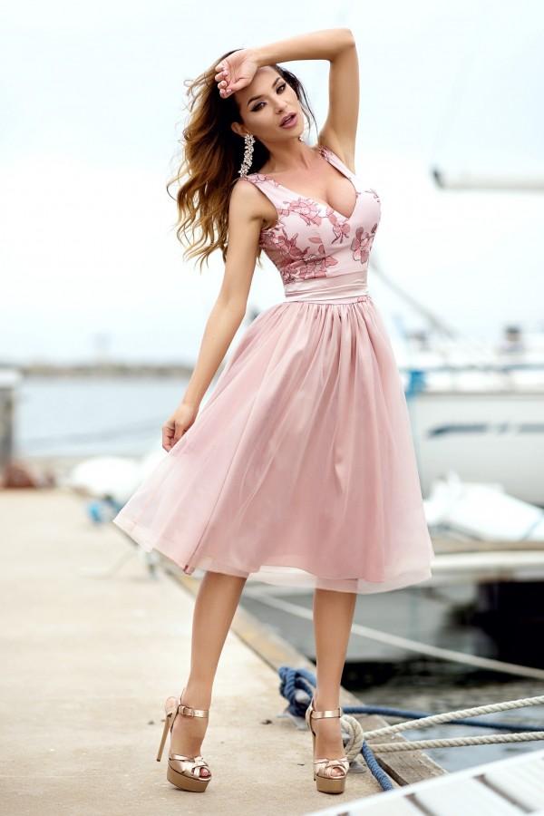 Rochie Andra roz cu tul
