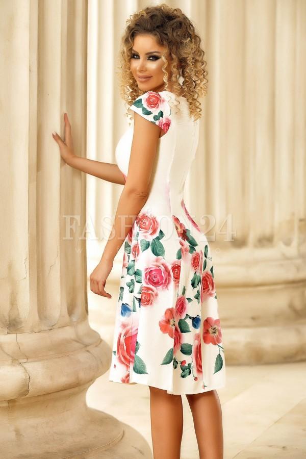 Rochie de vara alba in clos cu imprimeu floral