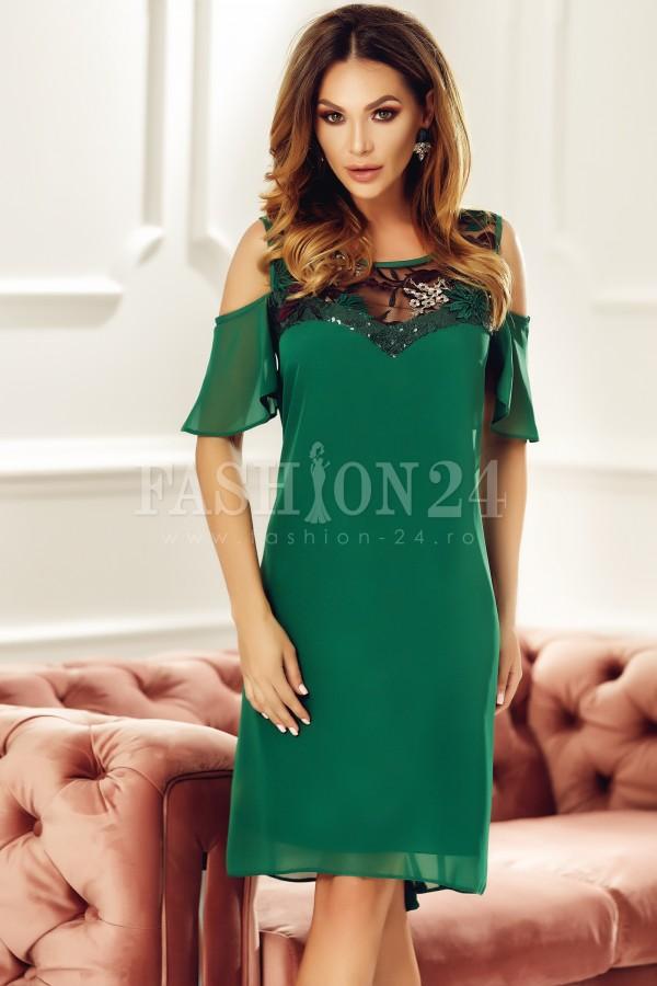 Rochie eleganta verde cu umerii decupati