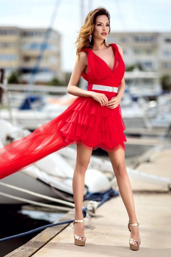 Rochie Helena rosie cu trena