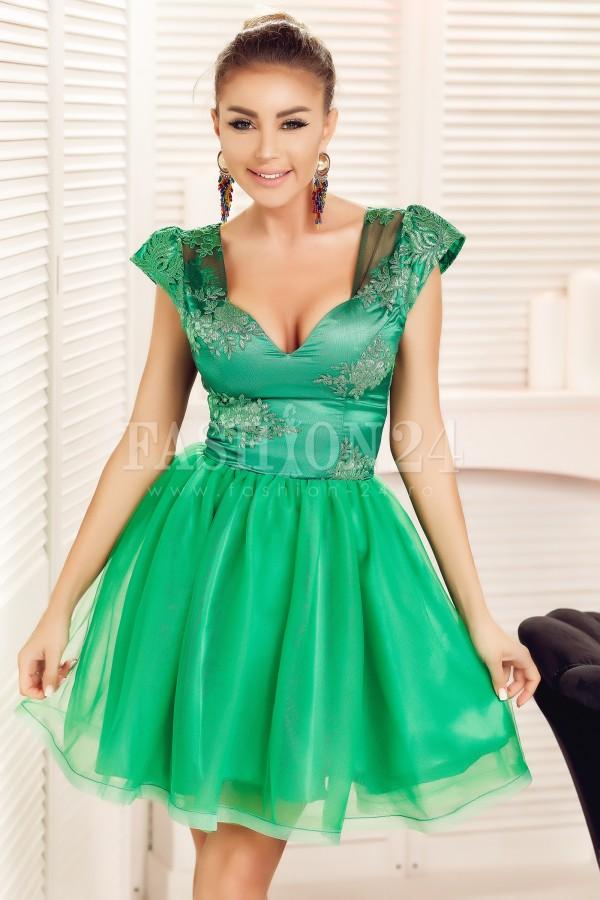 Rochie baby doll verde cu dantela
