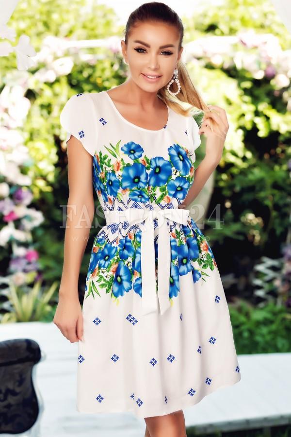 Rochie cu flori albastre traditionala