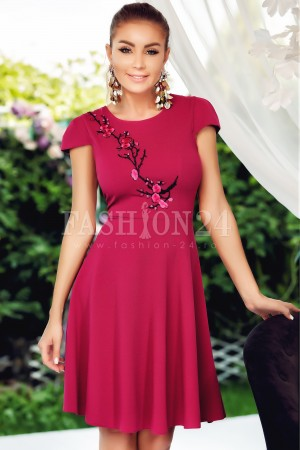 Rochie Eve roz in clos