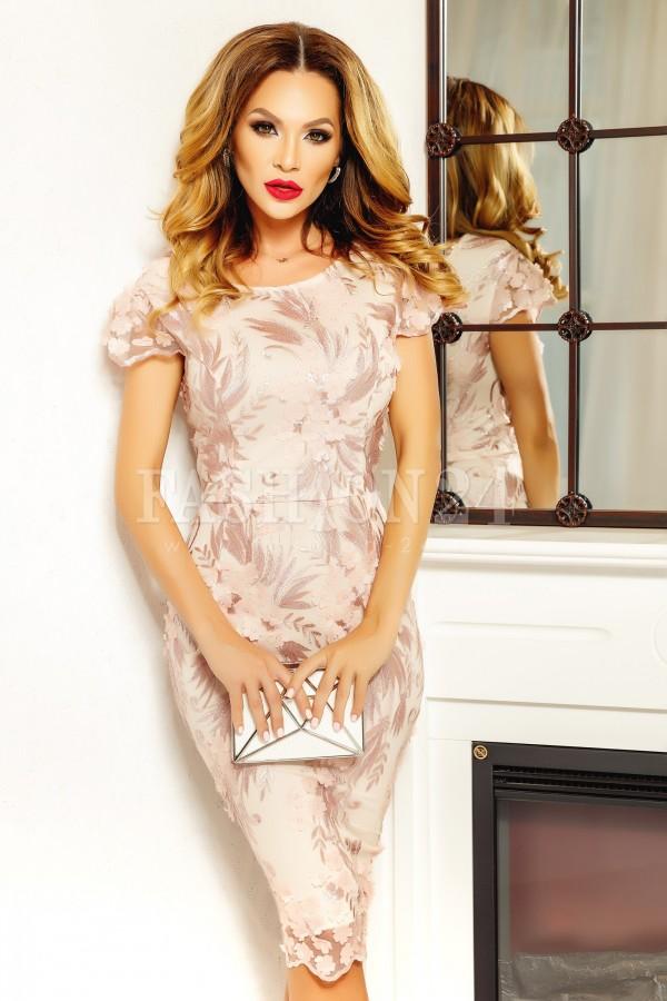 Rochie Alessia midi roz cu dantela aplicata
