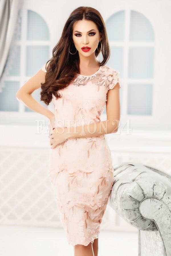 Rochie Juliette roz dantela aplicata