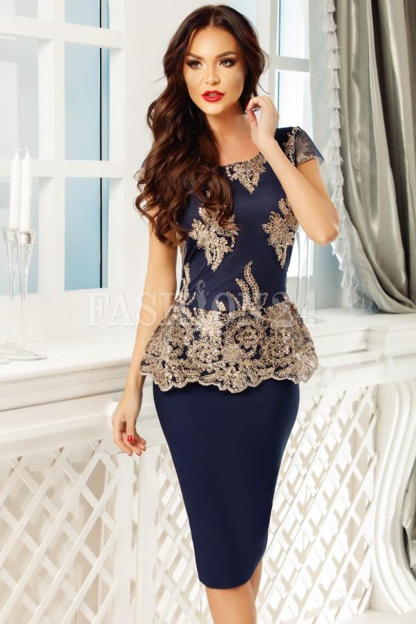Rochie bleumain de seara cu aplicatii aurii