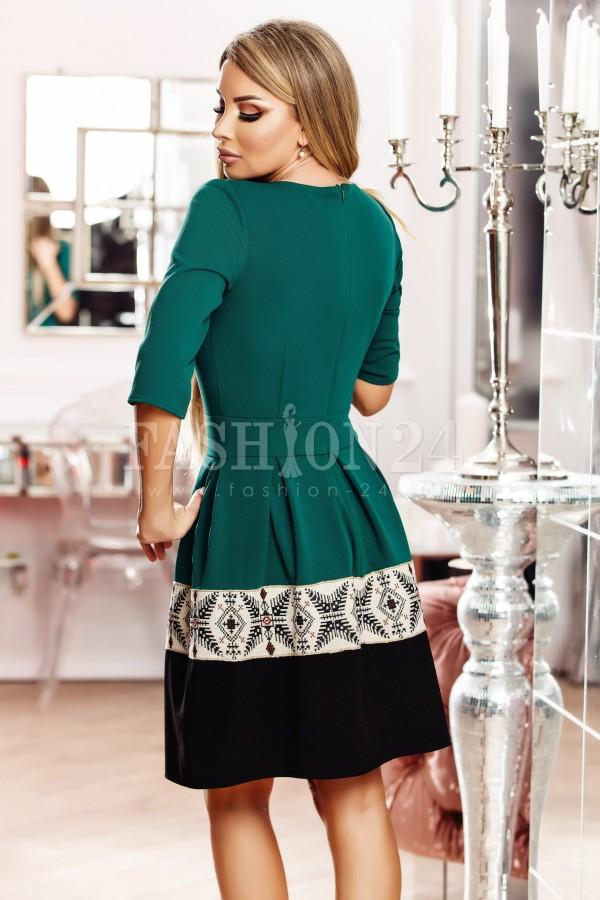 Rochie Adela verde u nasturi decorativi