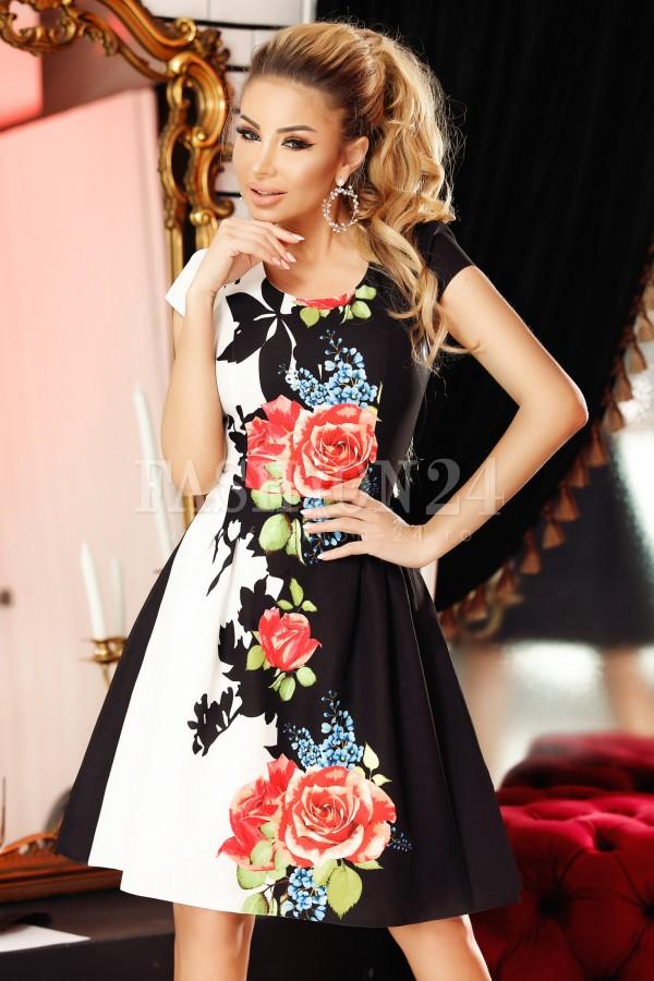 Rochie Bella alb negru in clos cu imprimeuri