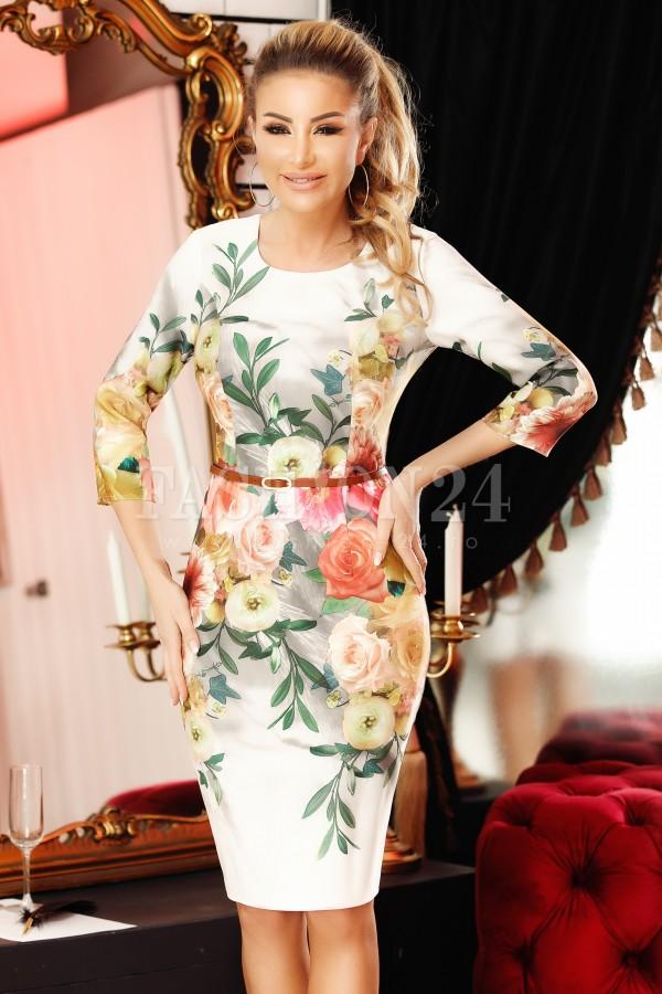 Rochie Emi crem mulata pe corp cu imprimeuri florale