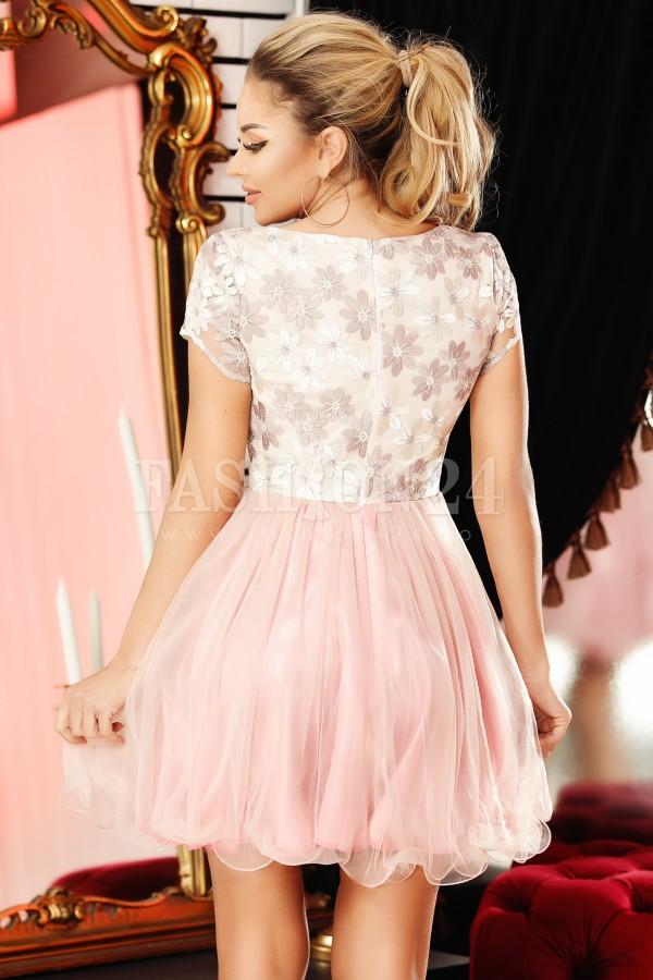 Rochie Nadin roze in clos