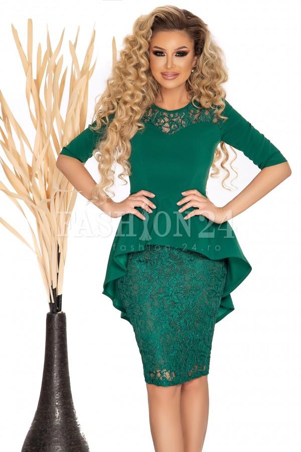 Rochie verde cu dantela si peplum in talie