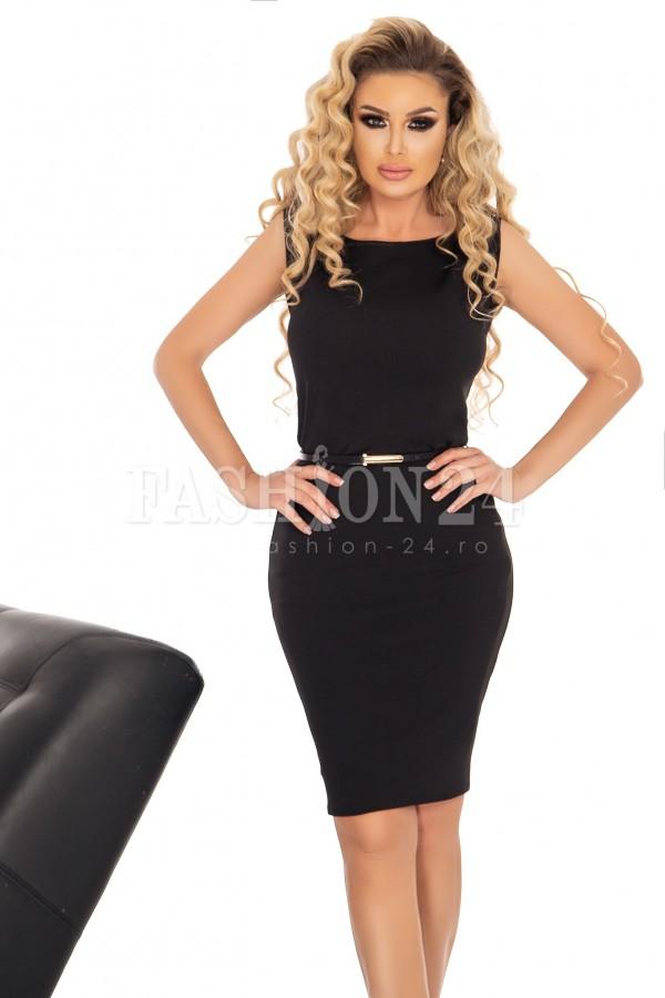 Rochie neagra mulata pe corp cu accesoriu in talie