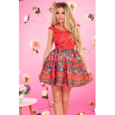 Rochie rosie in stil traditional in clos thumbnail
