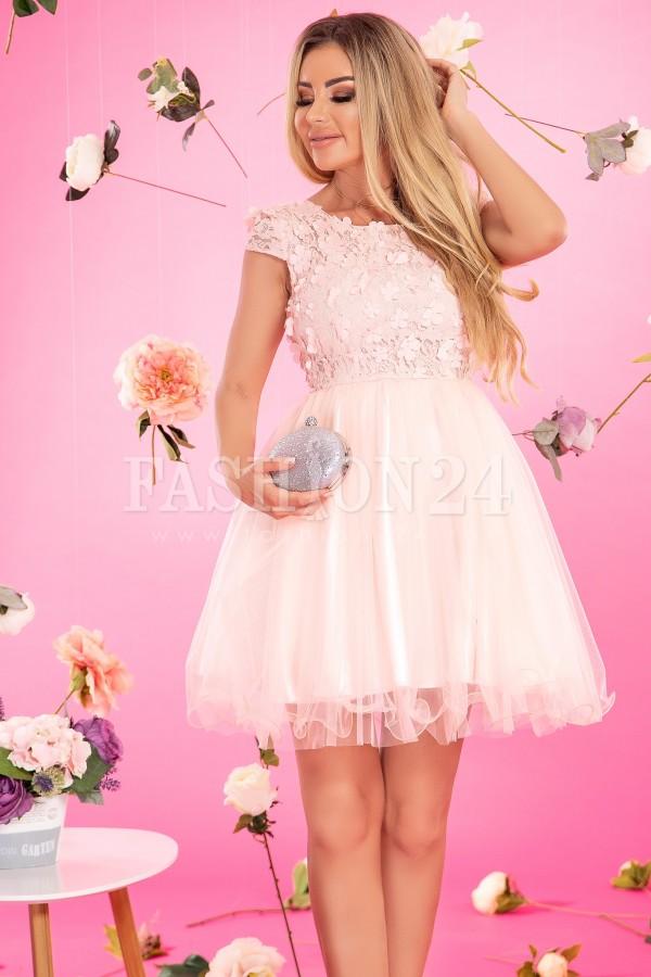 Rochie Anda roze in clos cu dantela