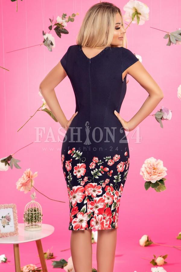 Rochie bleumarin cu imprimeuri floarale