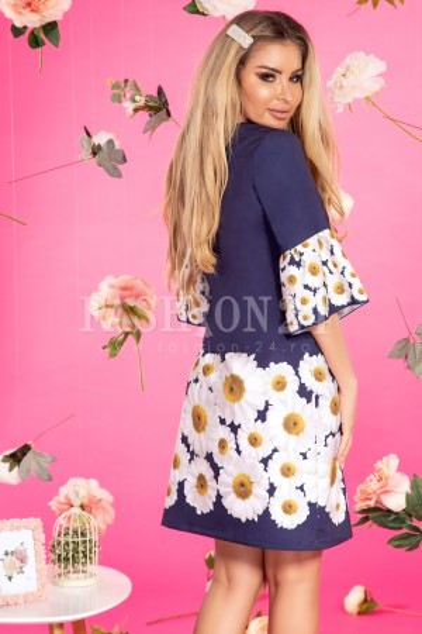Rochie bleumarin cu imprimeuri florale margarete