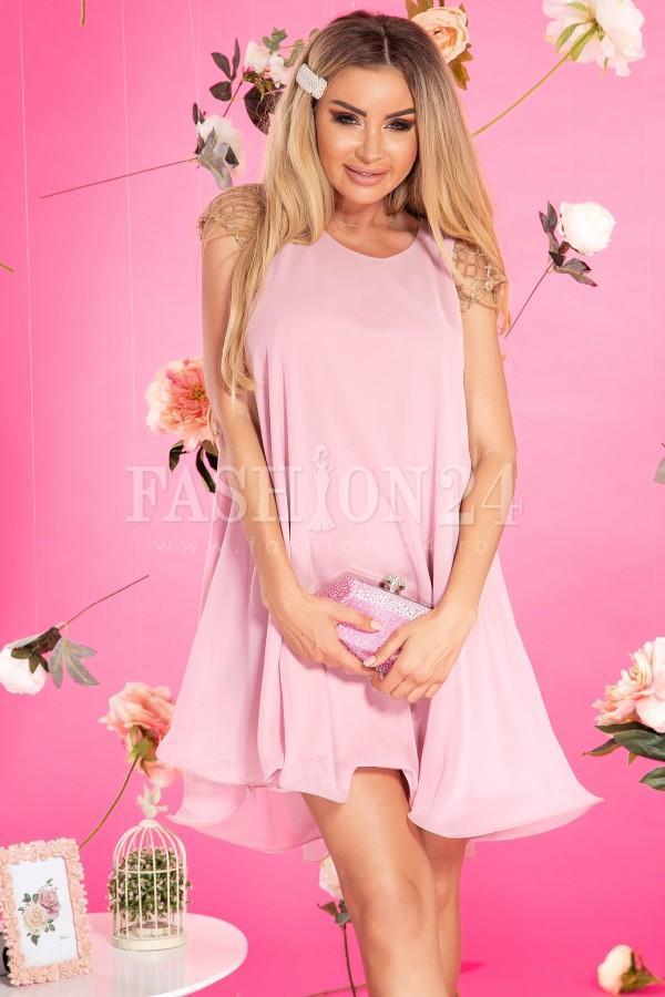 Rochie roze din voal lejera