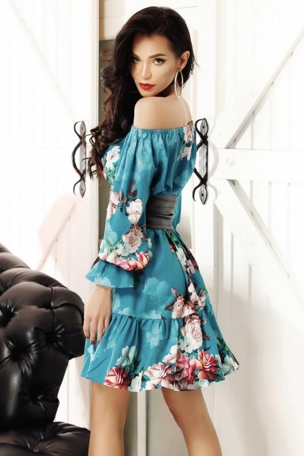 Rochie albastra in clos cu imprimeuri de vara