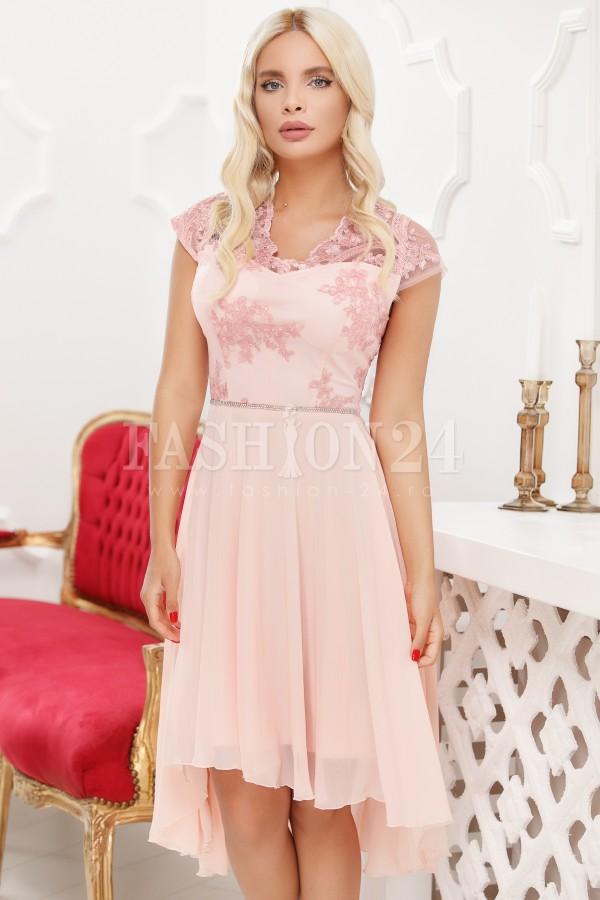 Rochie roz cu voal si trena