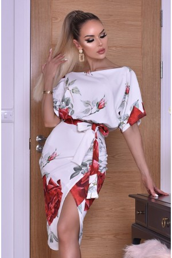 Rochie eleganta cu imprimeuri florale in nuante de alb