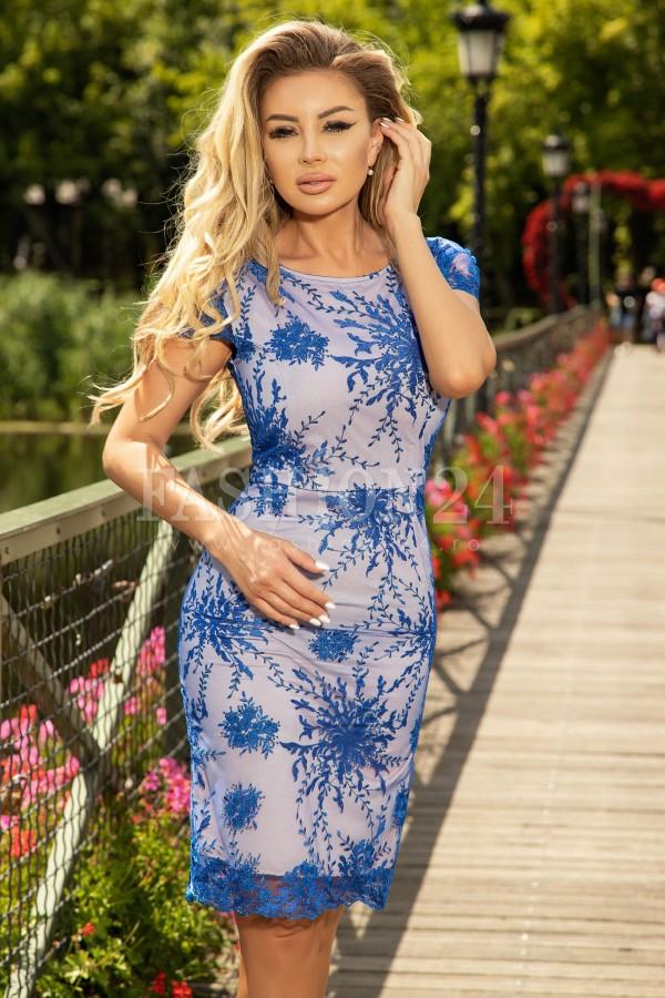 Rochie Maya din dantela in nuante de albastru