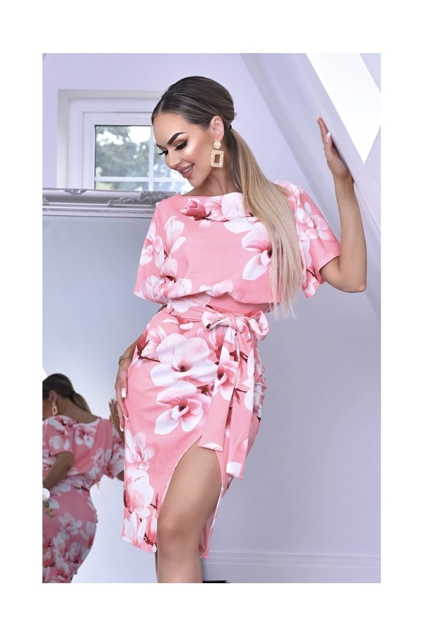 Rochie eleganta cu imprimeuri roze