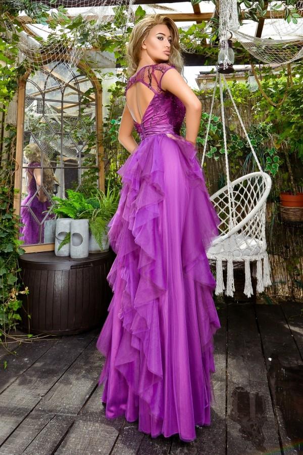 Rochie faimoasa in nuante de mov cu tul elegant