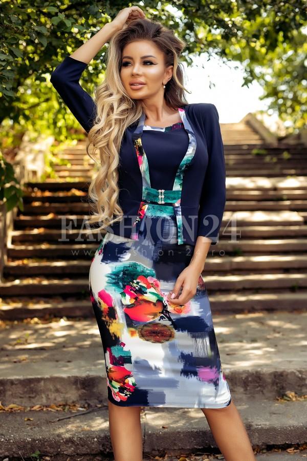 Rochie bleumarin cu imprimeuri multicolore