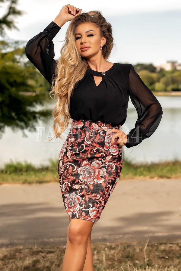 Rochie cu imprimeuri in nuante de bordo si negru