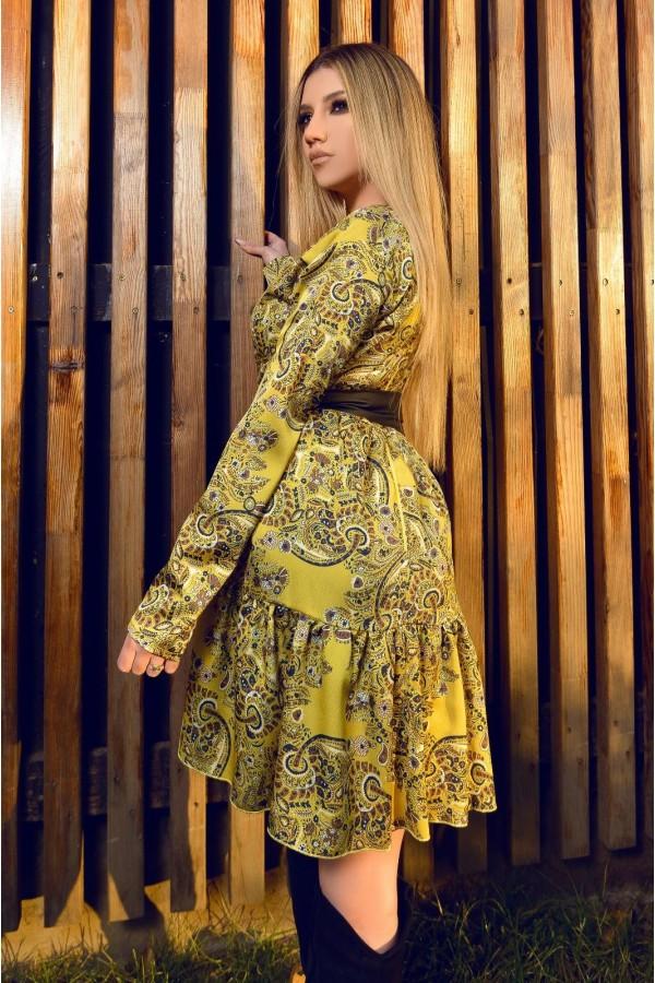 Rochie eleganta in clos in nuante de galben