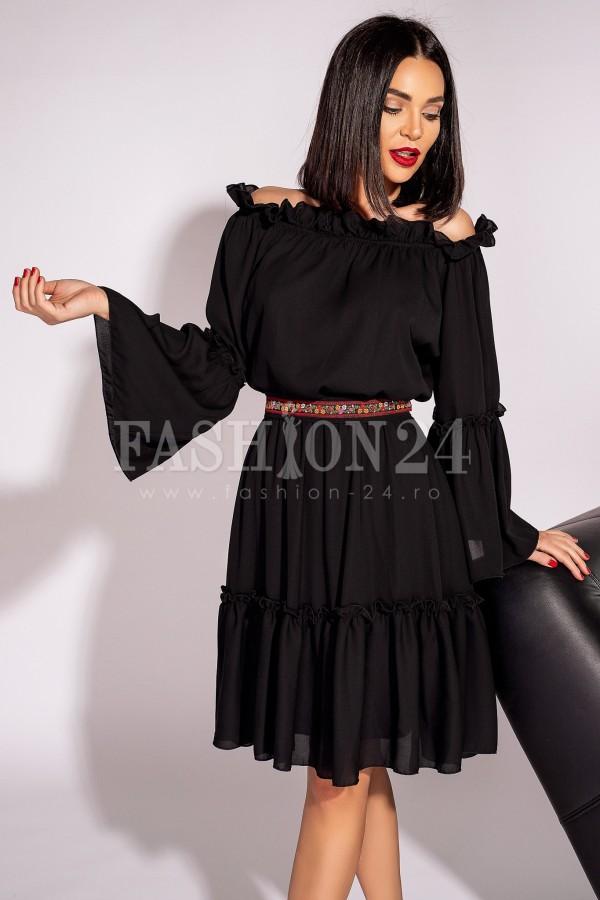Rochie Elena neagra in stil traditional