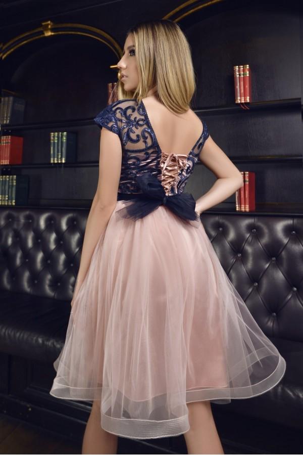 Rochie Elvira roze in clos cu tul