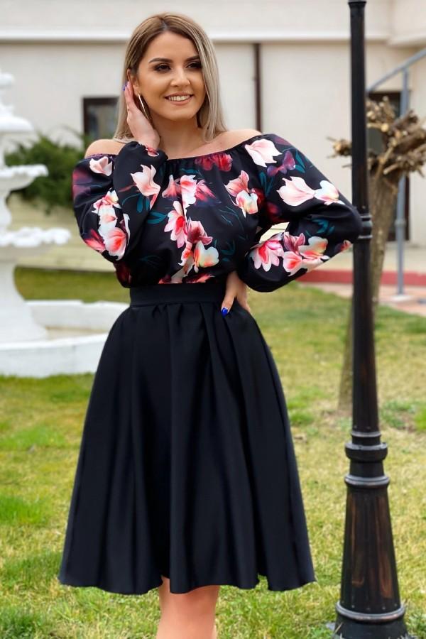 Rochie neagra cu imprimeuri florale Seleny