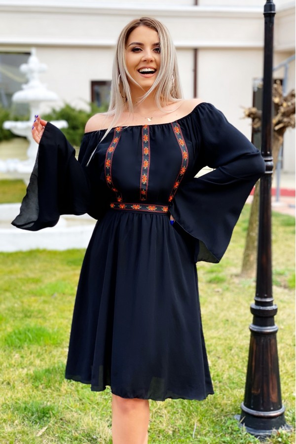 Rochie traditionala eleganta Sofia neagra