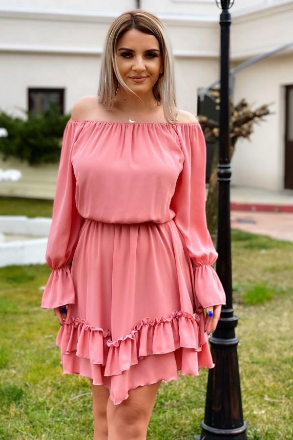 Rochie Olivia roz in clos