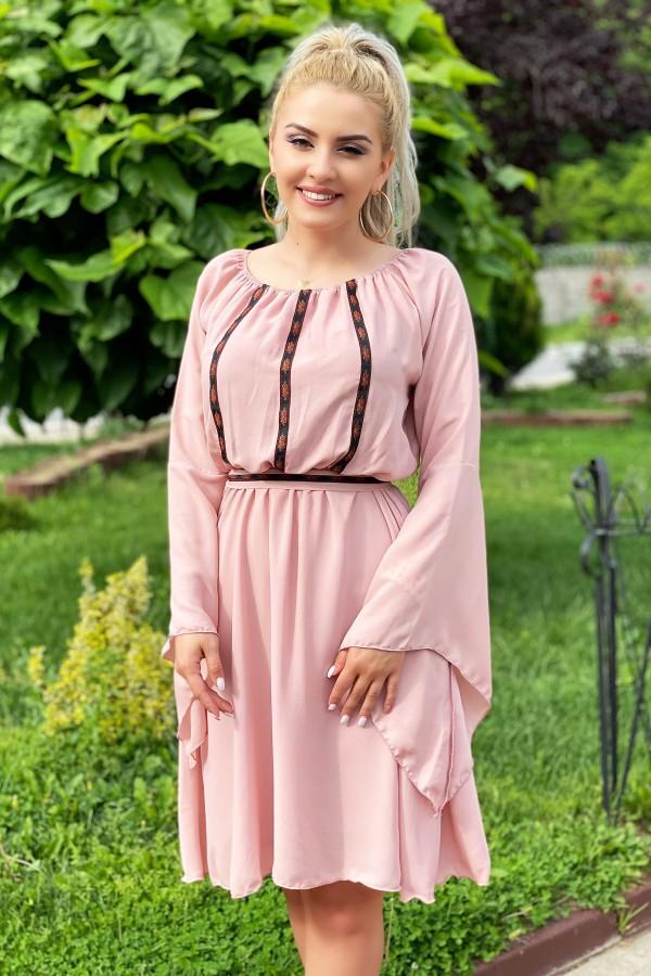 Rochie traditionala eleganta Sofia roz