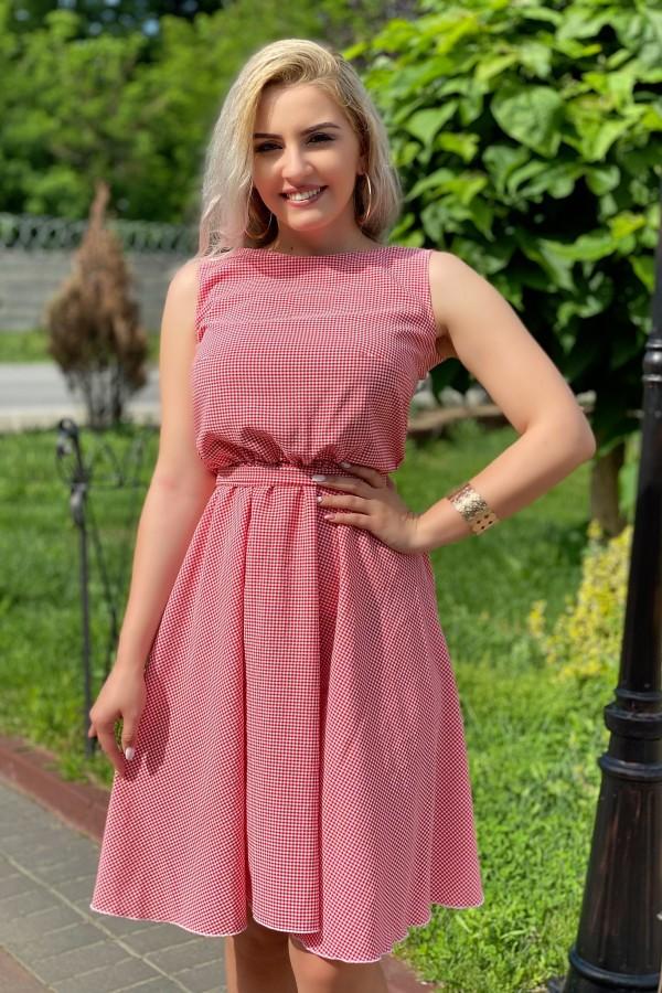 Rochie Daria cu buline in nuante de rosu