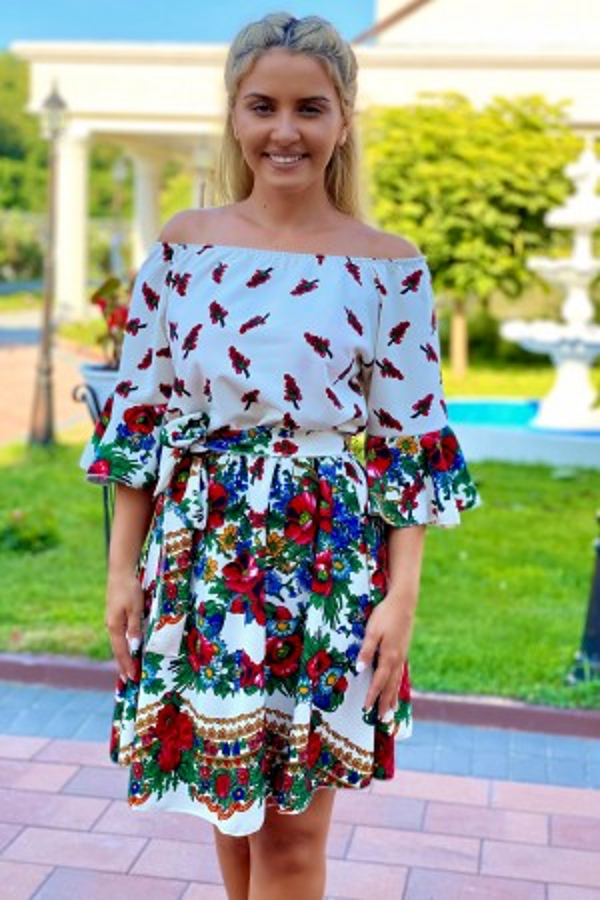 Rochie Maria alba traditionala in clos
