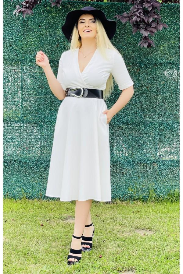 Rochie Luisa alba eleganta in clos