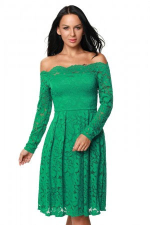 Rochie Green Appearance
